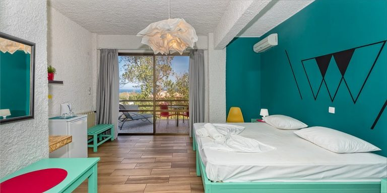 Guesthouse for sale in Chania Crete room internal ch108