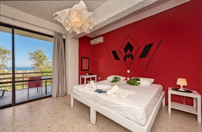 Guesthouse for sale in Chania Crete room with sea views ch108