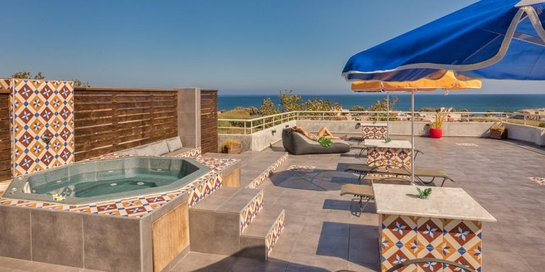 Guesthouse for sale in Chania Crete with rooftop jacuzzi ch108