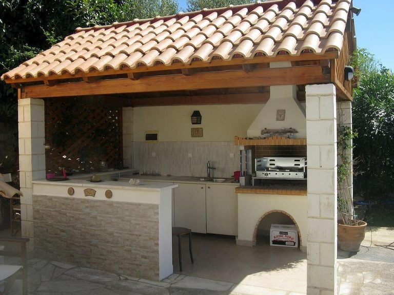 House for sale in Chania Crete outdoor kitchen KH135