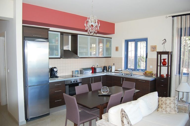 House for sale in Chania Crete fitted kitchen KH135