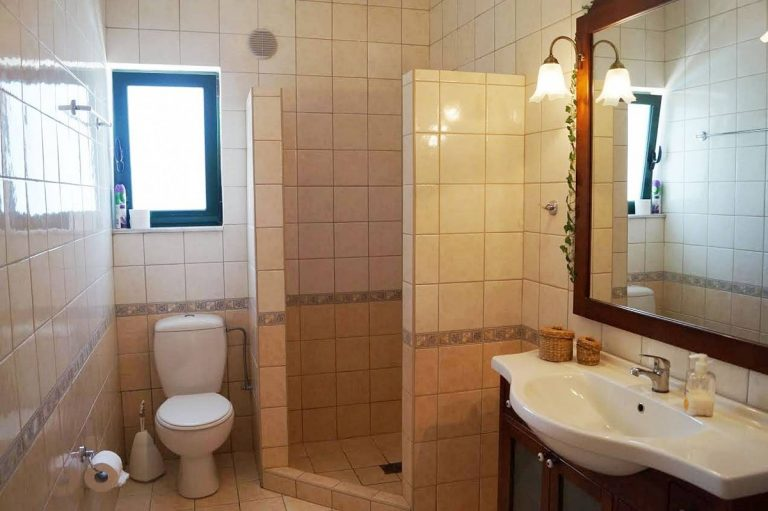 house for sale in rethymno crete bathroom