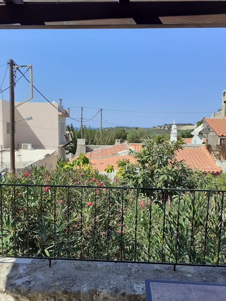 Stone house for sale in Rethymnon Crete with balcony RH015