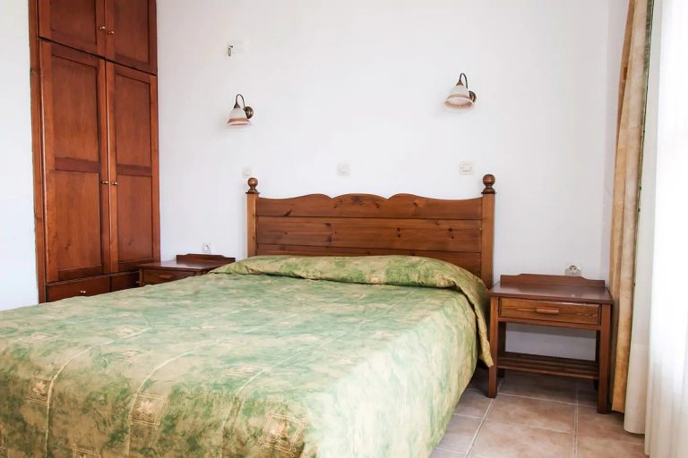 Guesthouse in Apokoronas Chania Crete for sale double bedroom KH142