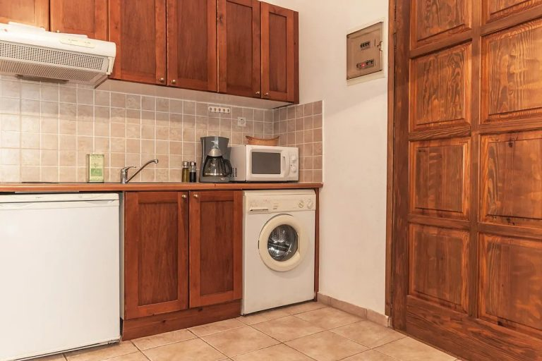 Guesthouse in Apokoronas Chania Crete for sale kitchen KH142