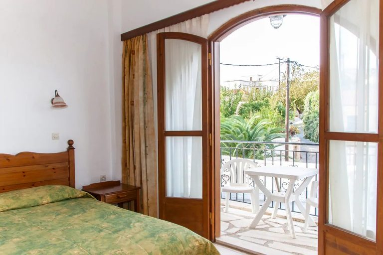 Guesthouse in Apokoronas Chania Crete for sale balcony access KH142
