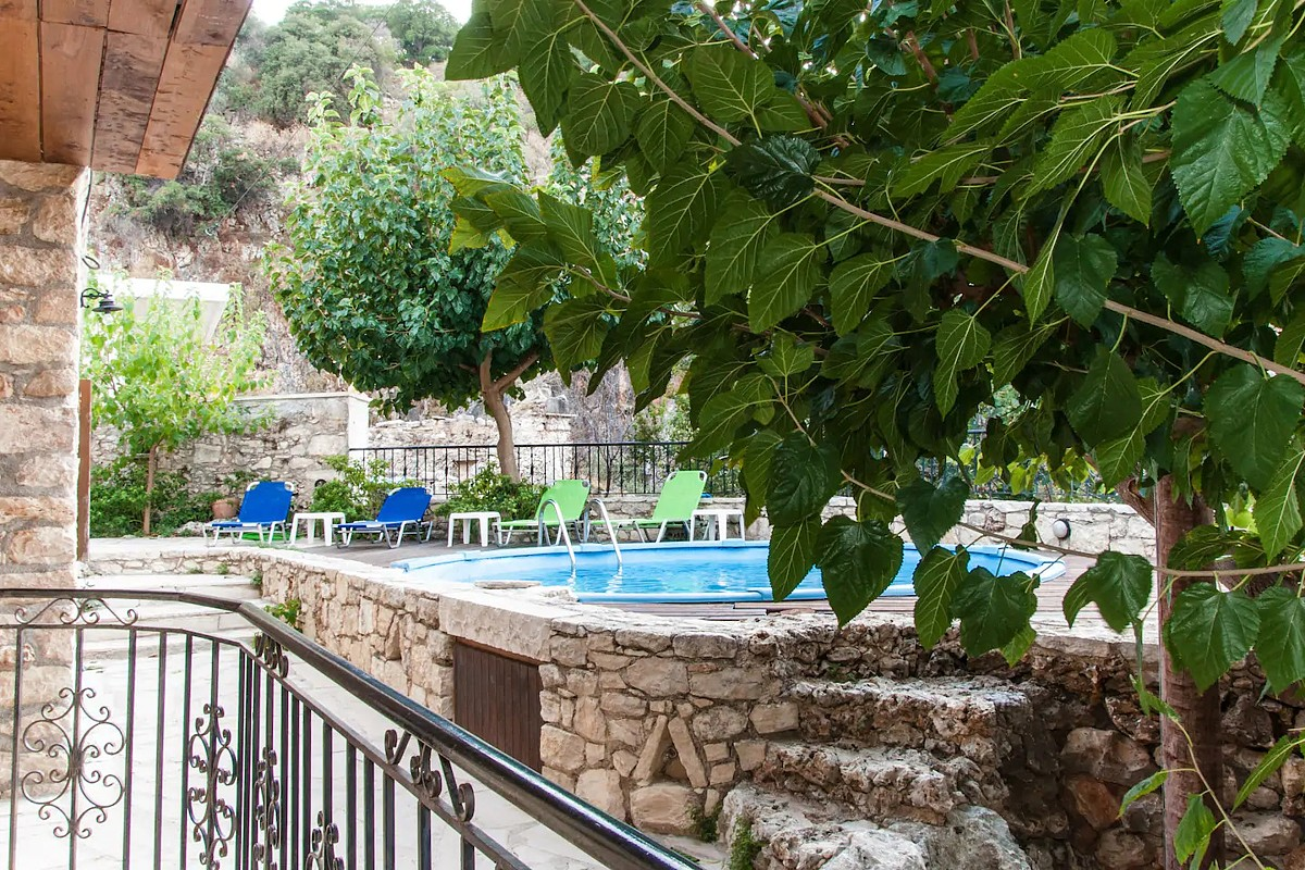 Guesthouse in Apokoronas Chania Crete for sale external KH142