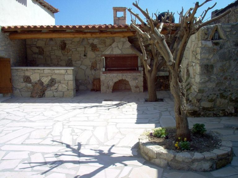Guesthouse in Apokoronas Chania Crete for sale BBQ KH142
