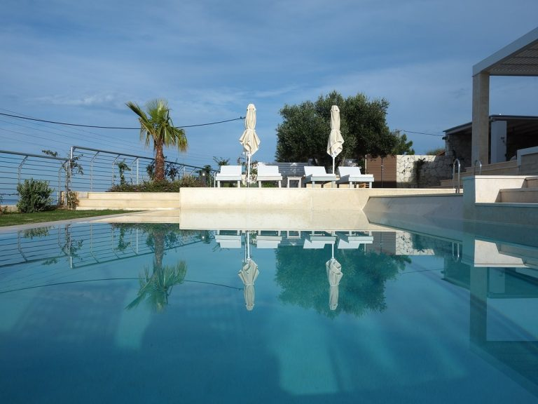 Luxury villa for sale in Chania Crete with pool KH137