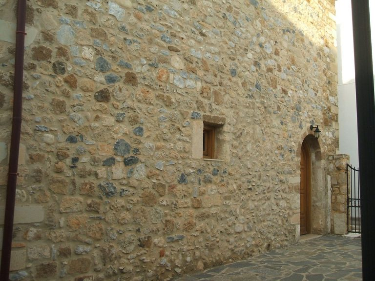 Stone house for sale in Rethymnon Crete stone detail RH015