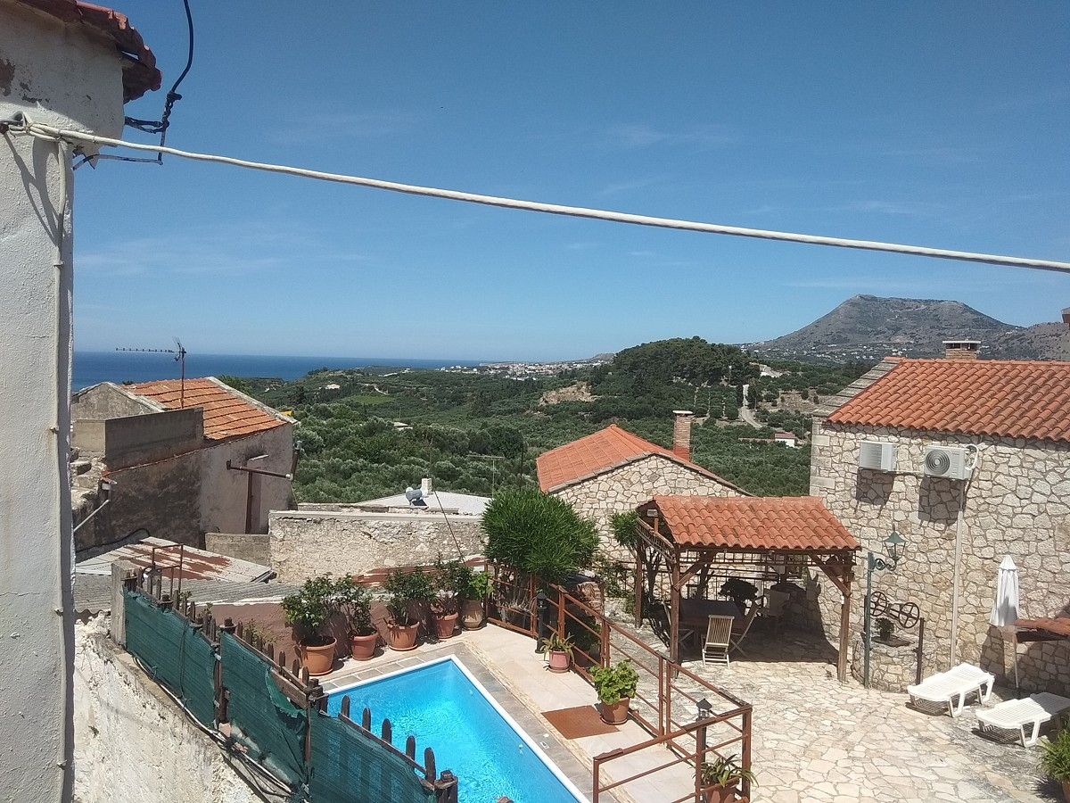 House for sale in Apokoronas chania Crete with sea views kh151