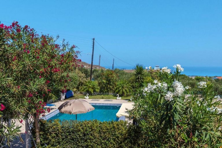 house for sale in kolymbari chania ch134 pool and sky