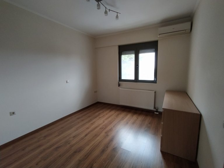 apartment for sale in chania ch144 bedroom and window