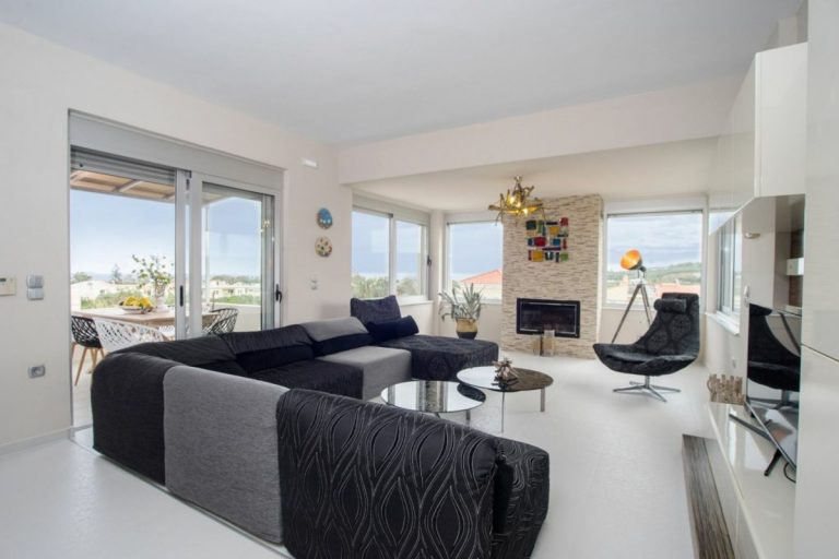 villa for sale in chania ch142 bright living room