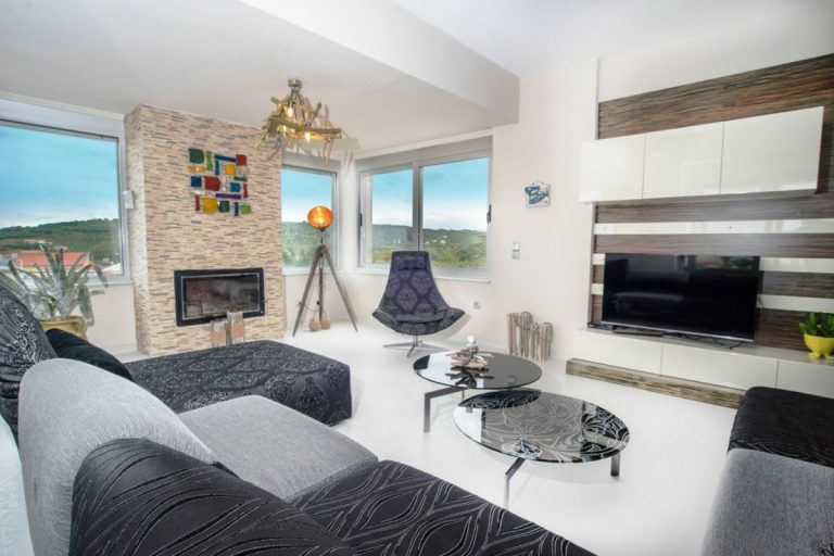 villa for sale in chania ch142 living room and fireplace