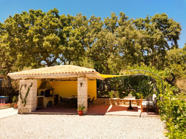 villa for sale in rethymno rh028 barbeque and trees